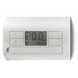 Termostat elektroniczny szary – metaliczny, wyświetlacz LCD funkcja dzień – noc/lato – zima, 1P 5A 230V, zasilanie bateryjne 2x1